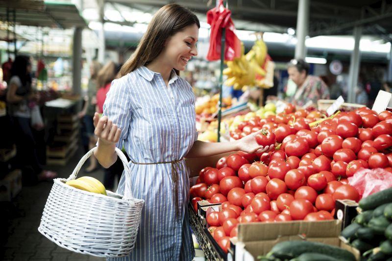 Mediterran Küche- Enkaufen auf dem Markt