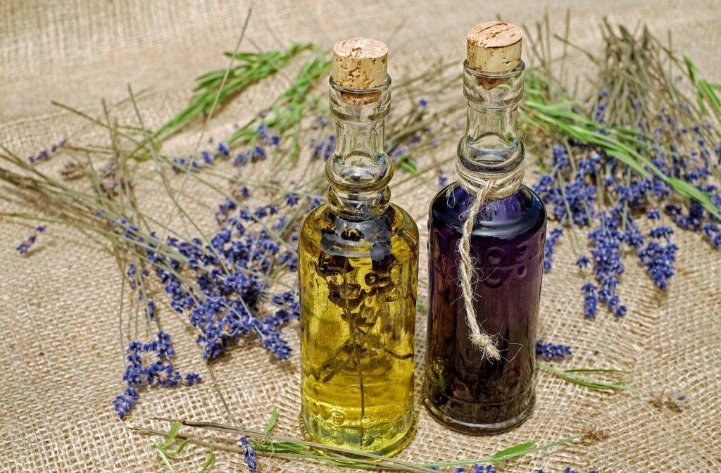 Ein entspannendens Bad mit Lavendelöl