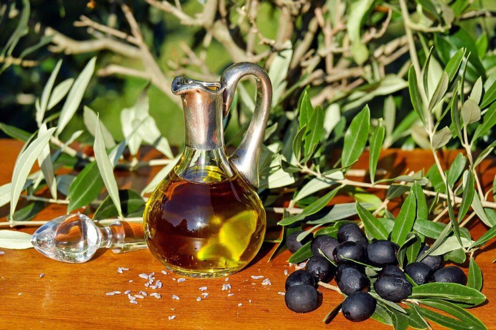 Mediterrane Küche - Olivenöl